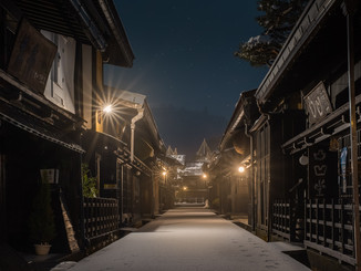 Takayama alleys covered by snow