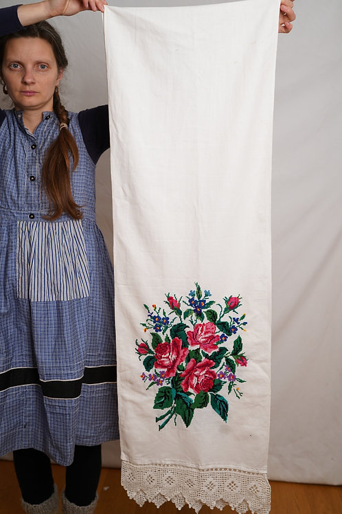 Hand embroidered cotton runner with roses from Ukraine