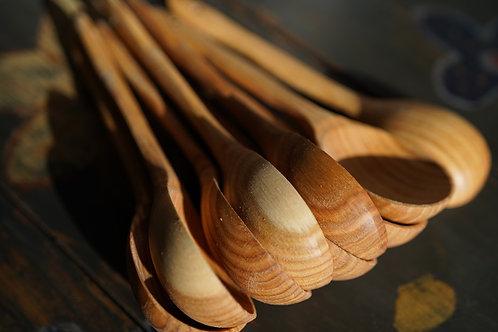 Handmade oak spoon, medium size