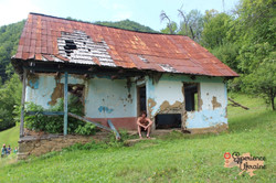 abandoned house in Lypovets