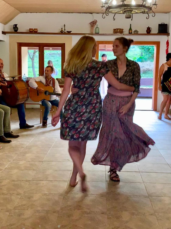 Dancing guides