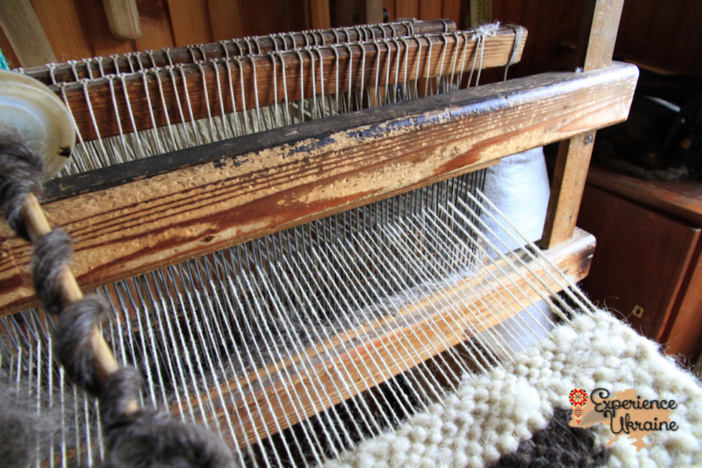 Wooden loom for Lizhnyk weaving