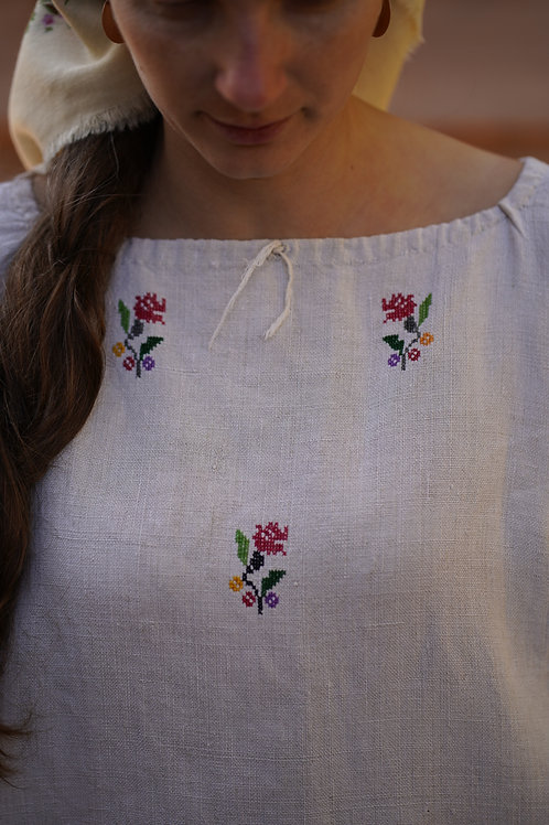Handembroidered hemp blouse/tunic from Ukraine