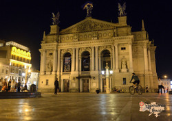 Lviv Opera House at night LR-imp