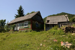 Abandoned house at Lypots - no water supply-imp