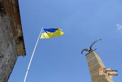 Ukrainian flag at Mukachevo Castle-imp