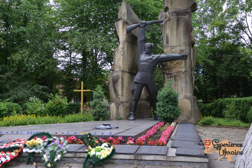Soviet war memorial-imp