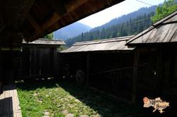 Wooden house in Kryvorivnya