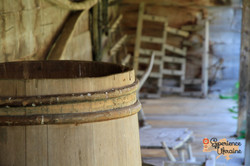 Wooden bucket to preserve cheese