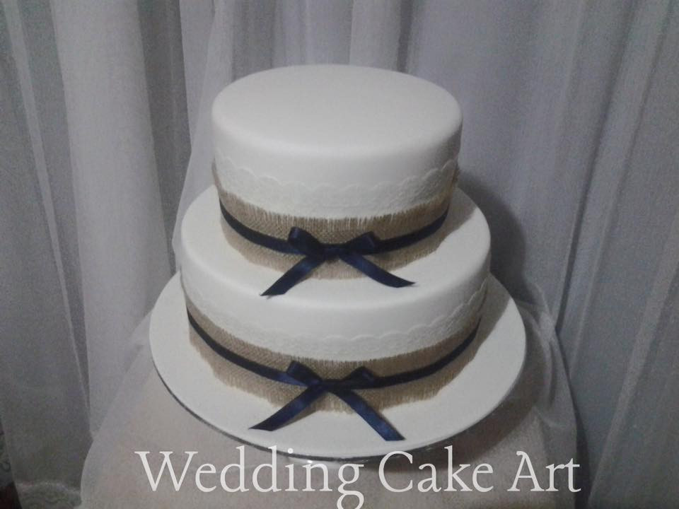 Hession, Lace and Ribbon DIY Wedding Cake
