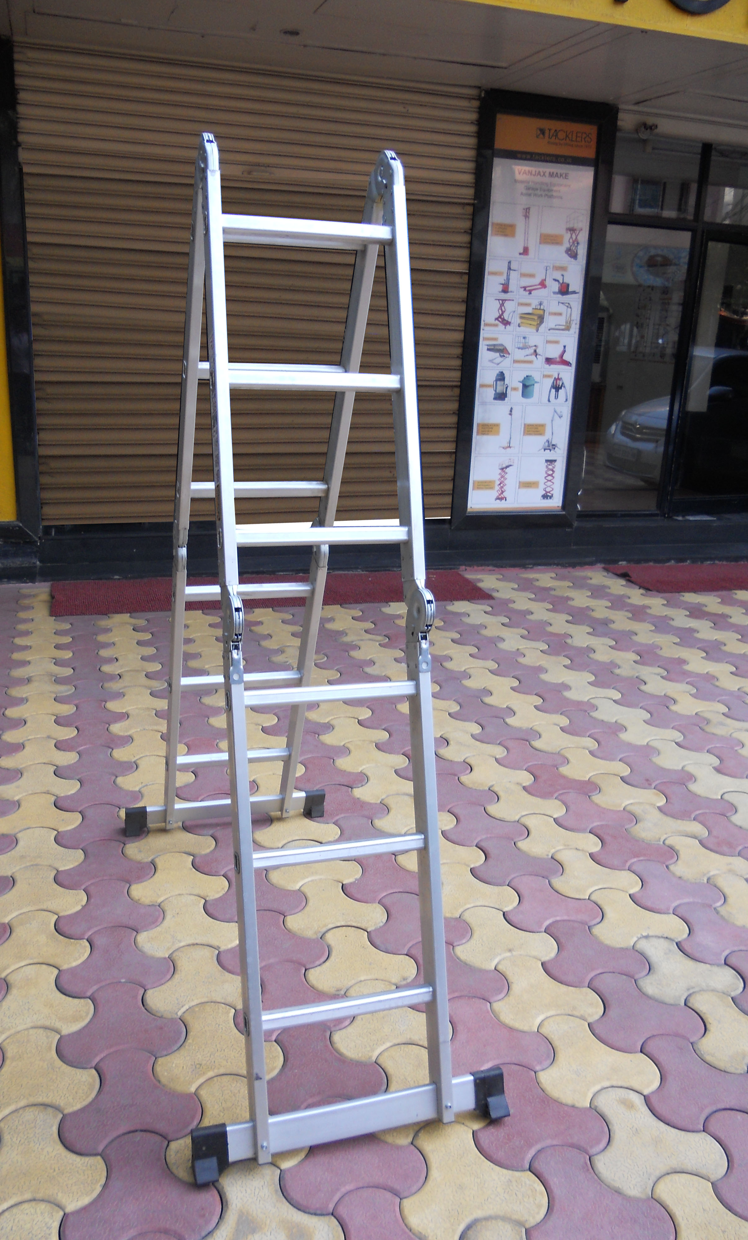 4 Part Ladder as a Step Ladder (Side View)
