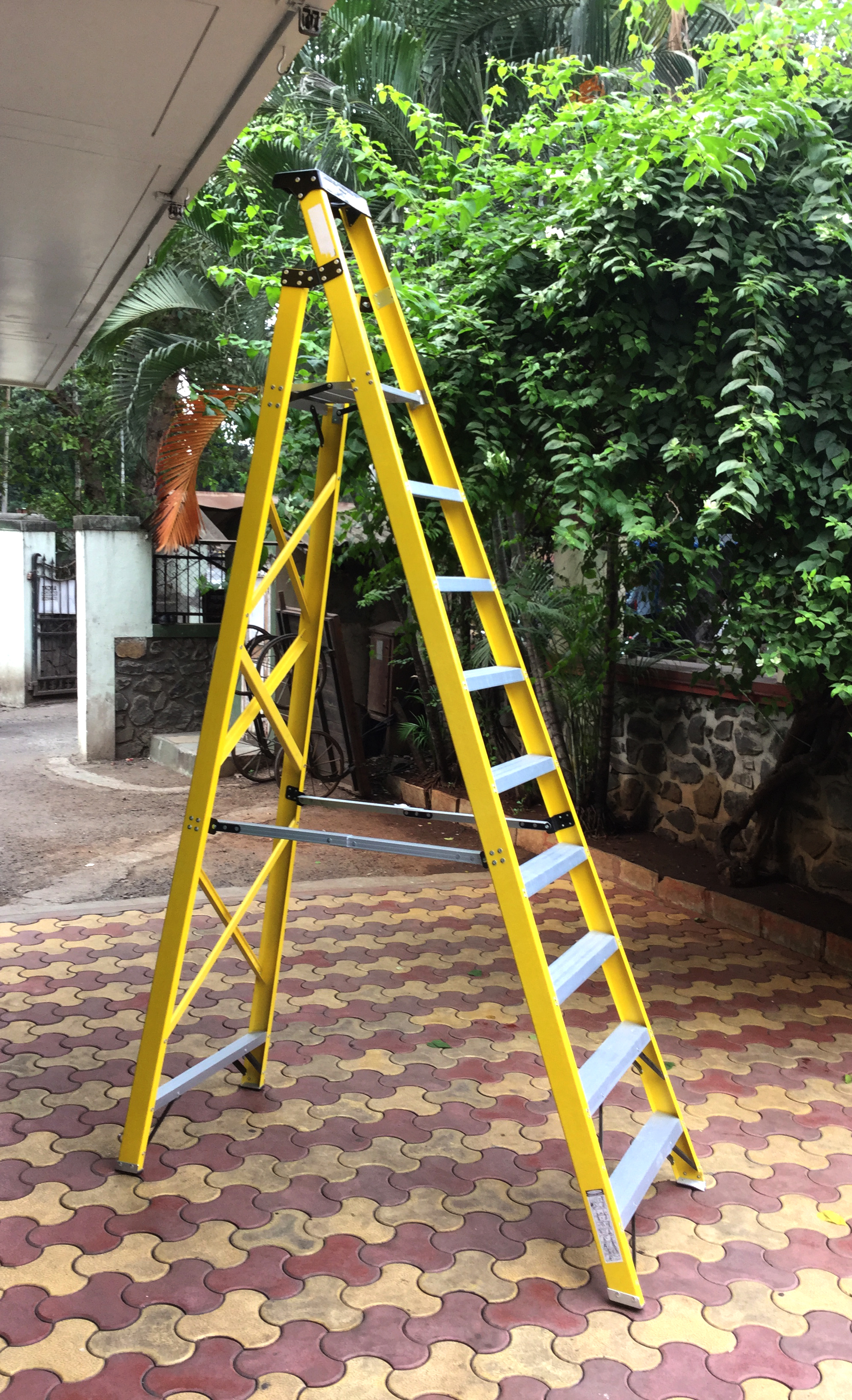 Industrial Step Ladder FRP 8 (Aluminium Steps With Steel Braces)