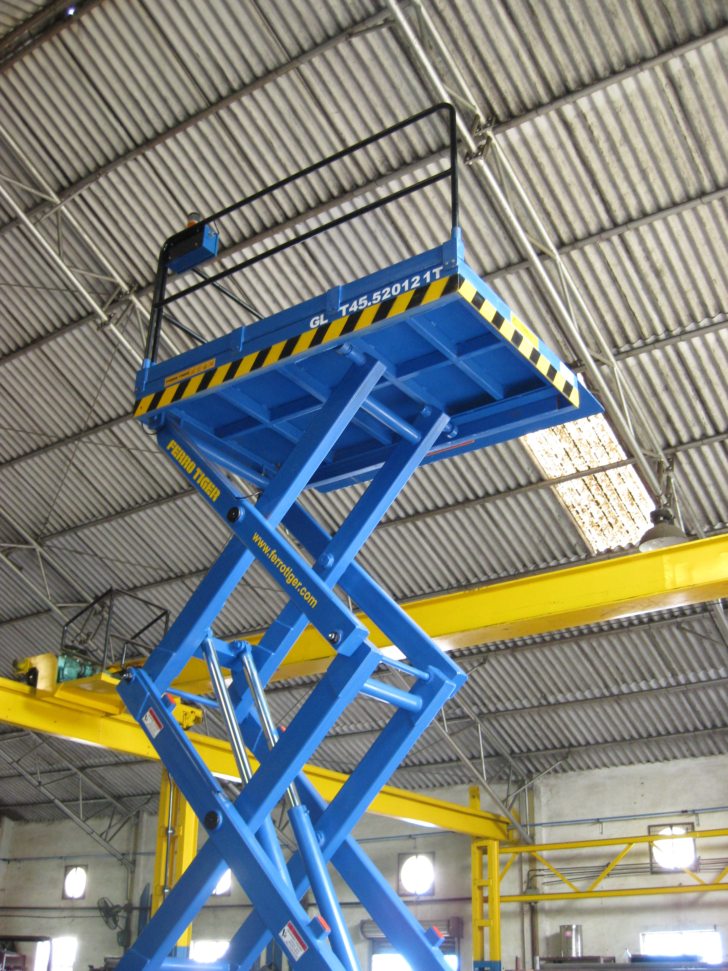 Kali BMH 1T P2000x1200 Goods Lift
