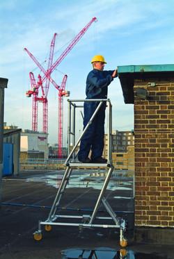 youngman_308514_height_adjustable_podium_steps2.jpg.png