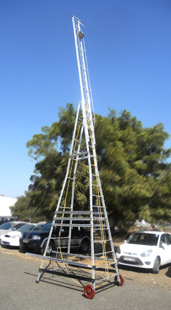 Trolleywheeled Ladder dou19 13.50.14