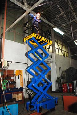 Reach Up 5 ( 5 Meters Platform Height x 7 Meters Working Height )(2)
