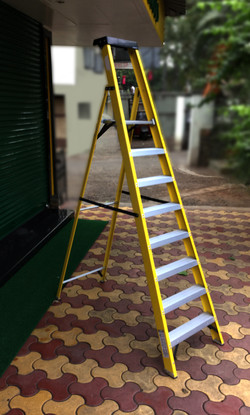 Step Laders With Platform Height In The Range - 2ft to 5.5ft