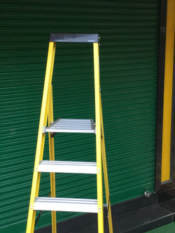 Platform With 2ft Leaning Frame And Tool Tray