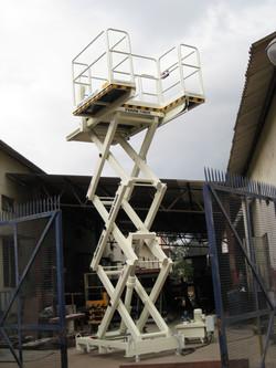 Areva 0.5T Man Lift(4)