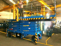 Reach Up 12 with Rollout Platform ( 12 Meters Platform Height x 14 Meters Working Height )
