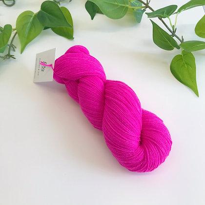 MEADOWLAND - Merino Tencel Sock Blend - Fuchsia