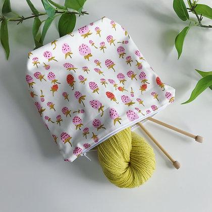 Handmade Zipper Bag - Strawberries - Project Bag for Knitting, Crochet, Sewing
