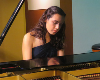 Grace Schwab Wins Kiwanis Piano Competition