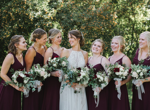 Top 7 Must Have photos with your bridesmaids