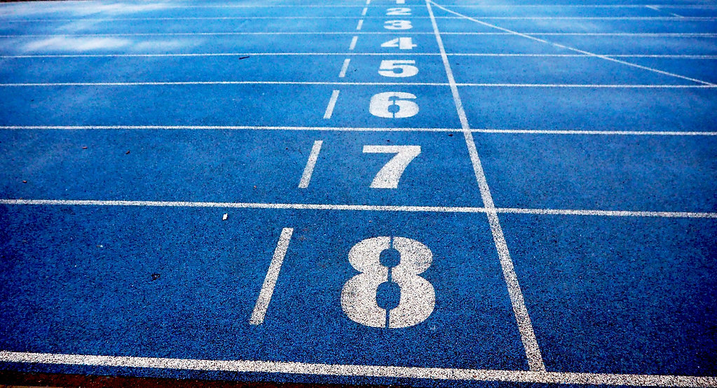 athletics-blue-ground-lanes-332835.jpg