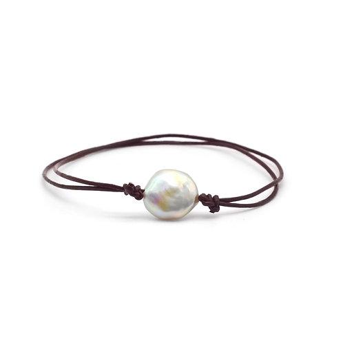 12-13mm 鈕扣形淡水珍珠配皮繩手繩
