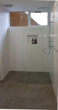 Bathroom Crawley 2.jpg