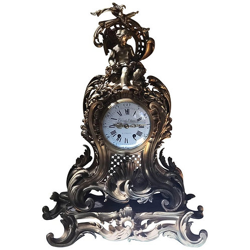 19th Century Impressive Ormolu French Mantle Clock