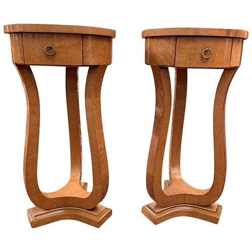 Pair of Art Deco Side Accent Tables in Bird's-Eye Maple, 20th Century