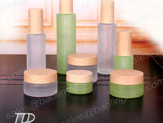 Luxury Cosmetic Bottle Set with PP Lid Cream Jar and Emulsion Pump Bottle Sets