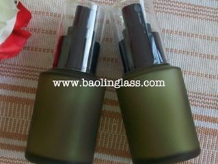 2oz 60ml frosted olive green glass bottle with pump spray cap