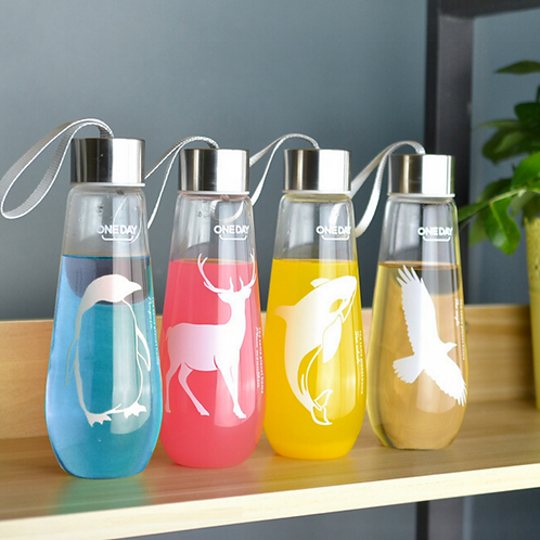 Custom promotional cute sport glass water bottle with rope