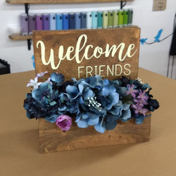 Planter box - Welcome Friends