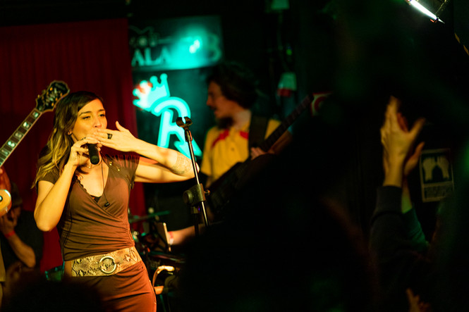 vivi concert color web-17.jpg