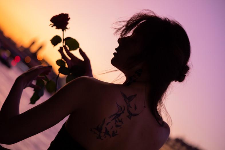 Emma sunset web-3.jpg