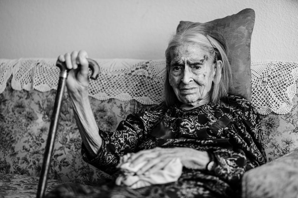 abuela bn web-13.jpg