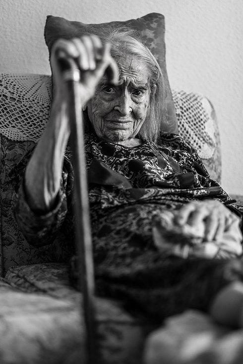 abuela bn web-12.jpg