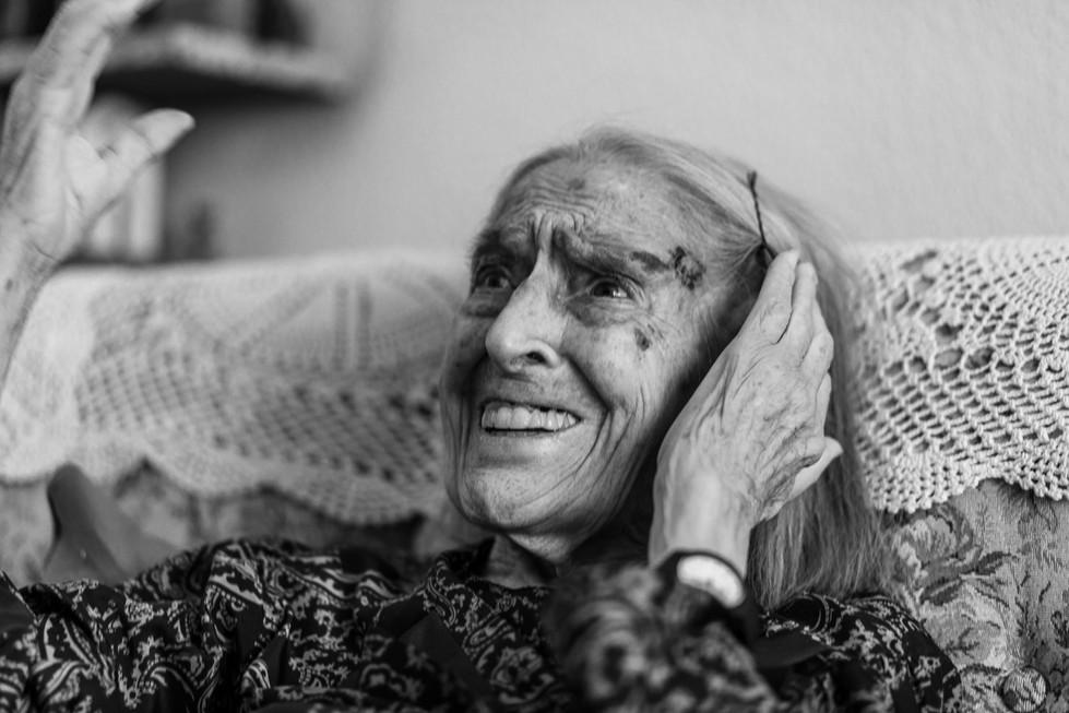 abuela bn web-4.jpg