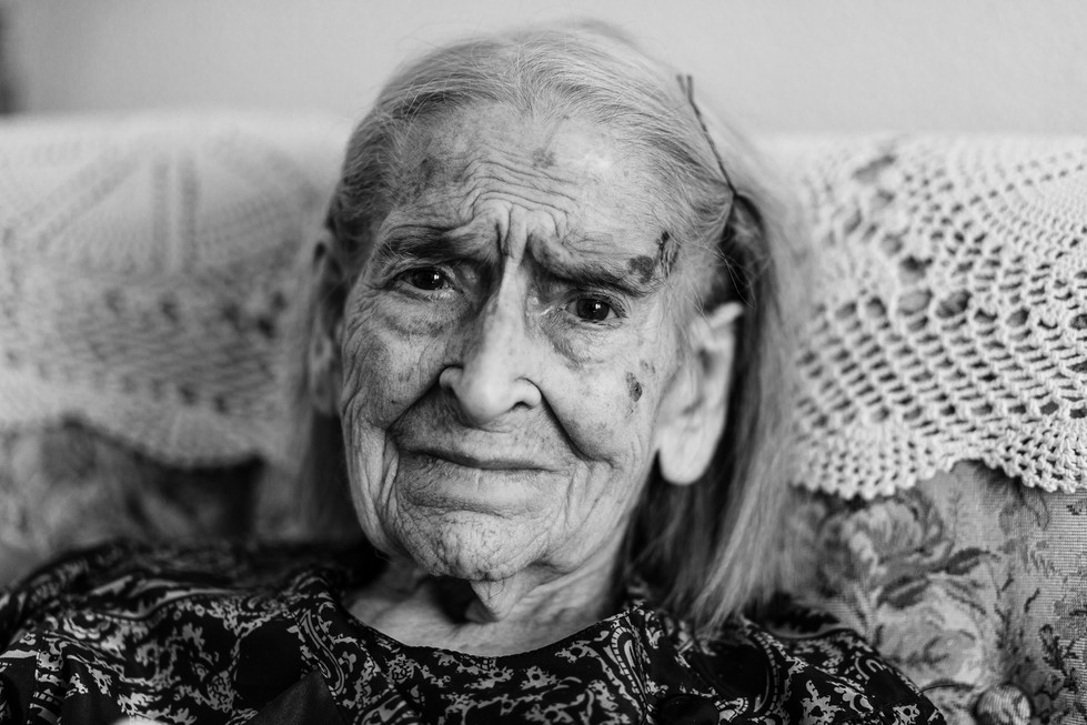 abuela bn web-3.jpg