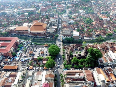 Defining and sustaining the place-identity of a traditional, yet rapidly developing city: Denpasar