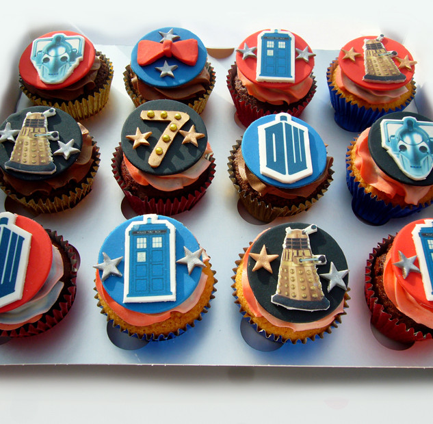 Dr_who_cakes_2.jpg