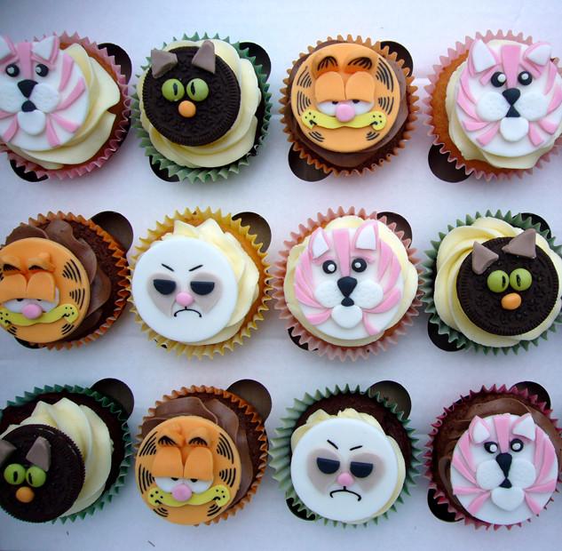 Cat_cakes_2015_fb.jpg