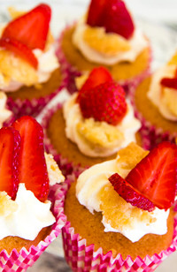 strawberry_cupcake.jpg
