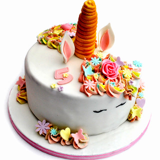 Unicorn_cake_1_feb2017_web.jpg