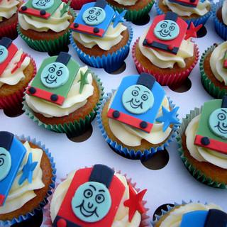 Thomas_cupcakes_2015_fb.jpg