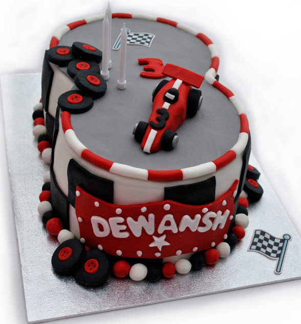 racing_track_cake_2016_1_fb.jpg
